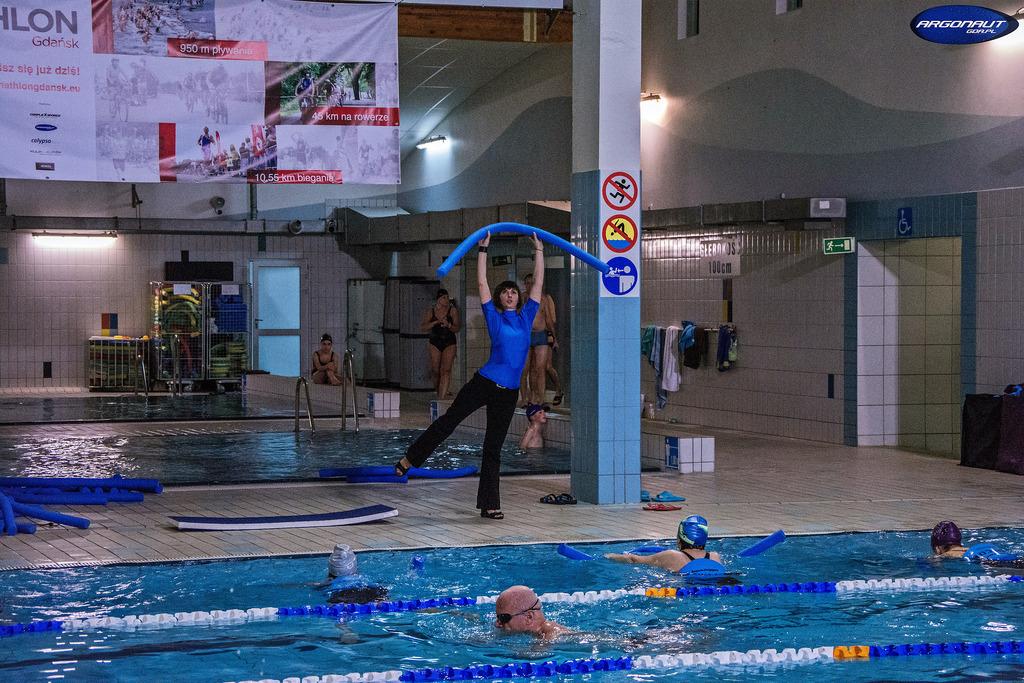 Zajęcia Aqua aerobik i hydro fitness prowadzone są profesjonalnie i z wielkim zaangażowaniem. Pani Iwetta Dobroczek ma ciekawe i różnorodne pomysły na to żeby zainteresować ćwiczeniami.