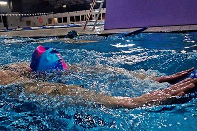 Zniżki dla studentów<br /> na naukę pływania<br /> w Triathlonie