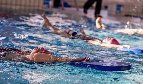 Doskonalenie pływania<br /> dla dzieci na małym basenie