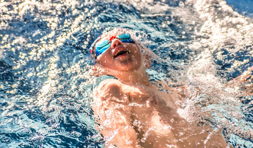 Galeria zdjęć i filmów Doskonalenie pływania dla dzieci na małym basenie